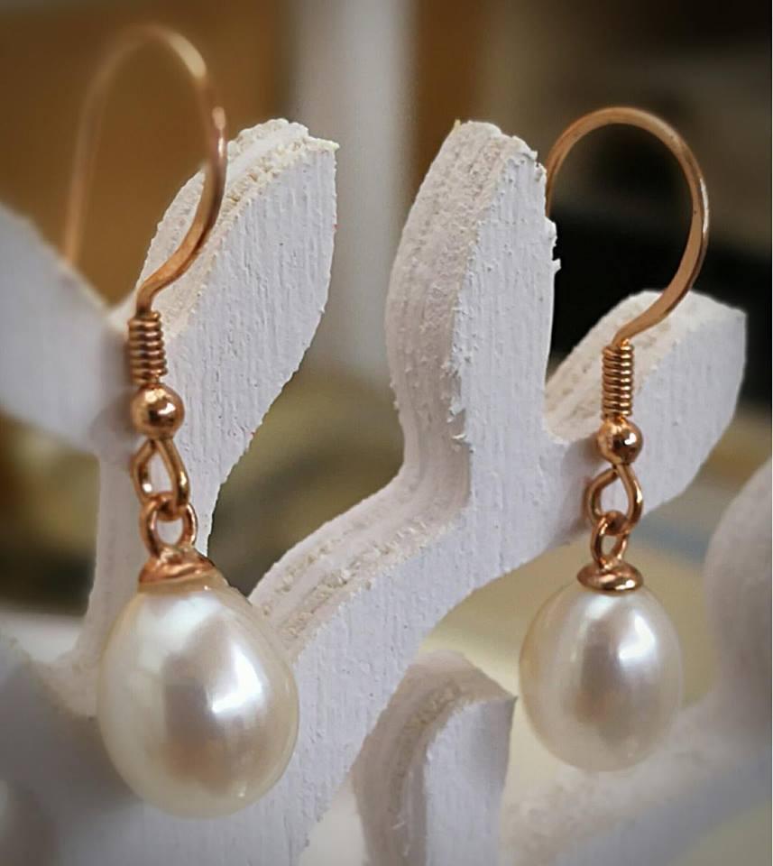 Η fashion πρόταση του ewoman  Κρεμαστά σκουλαρίκια με αληθινό μαργαριτάρι!   a60f4247662