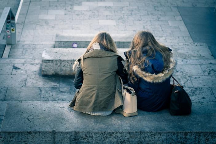Θέλω να τα βρω με τη φίλη μου. αναπάντητες συνδέσεις που χρονολογούνται